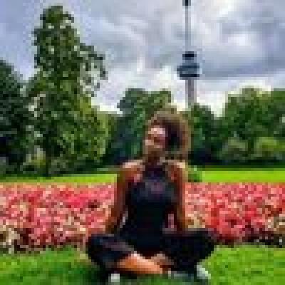 Laura zoekt een Appartement / Huurwoning / Kamer / Studio / Woonboot in Utrecht