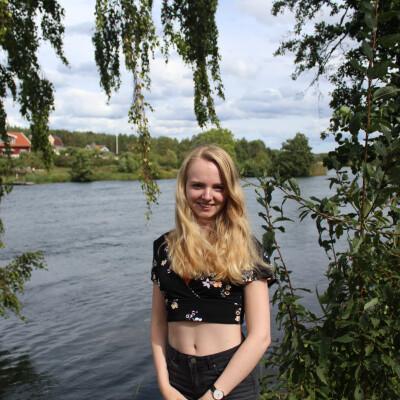Femke zoekt een Appartement / Huurwoning / Kamer / Studio / Woonboot in Utrecht
